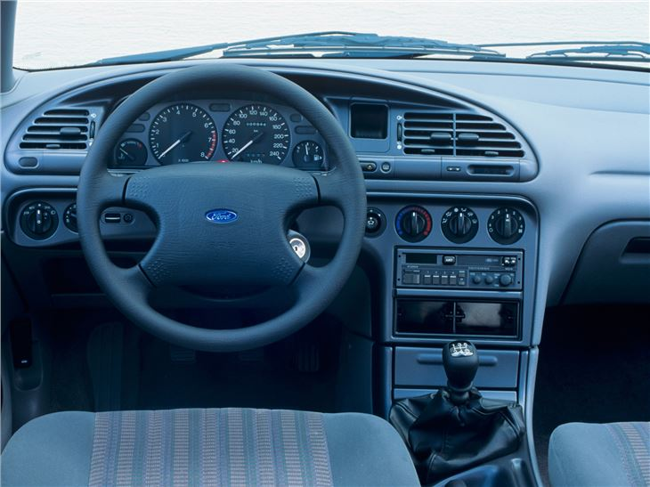 1993 Ford Mondeo #18