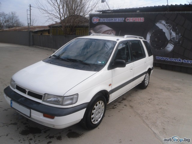 1993 Mitsubishi Space Wagon #13
