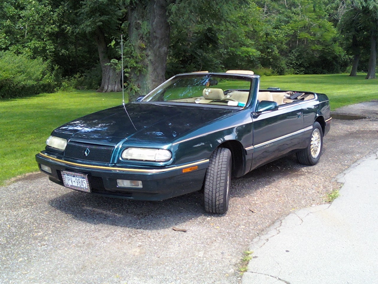 1994 Chrysler Le Baron #19