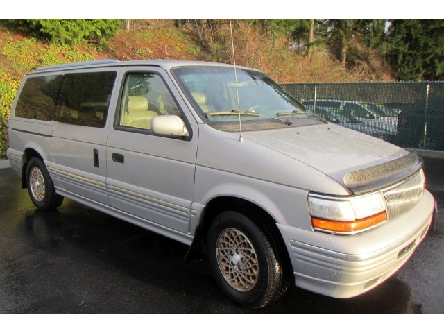 1994 Chrysler Town And Country #14