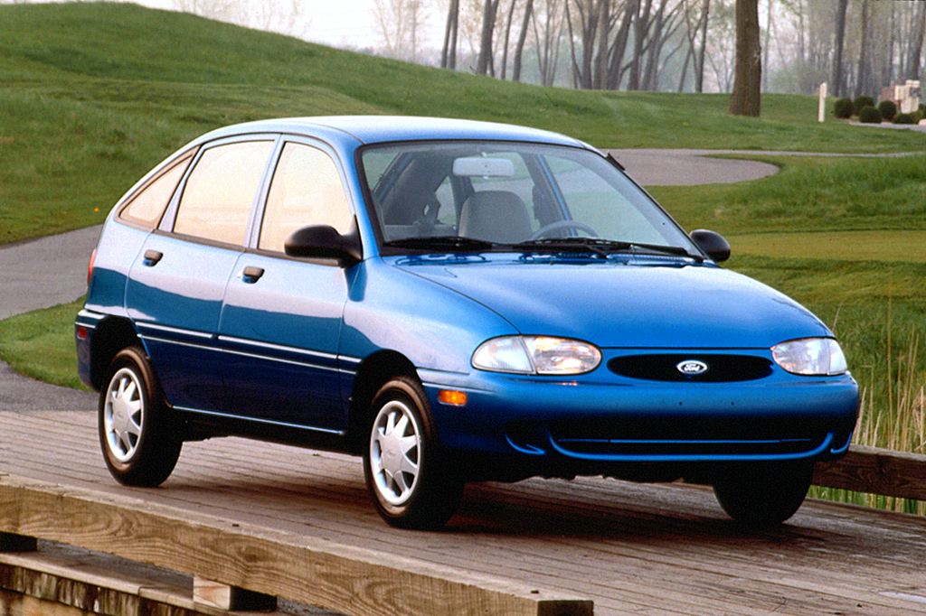 1994 Ford Aspire #17