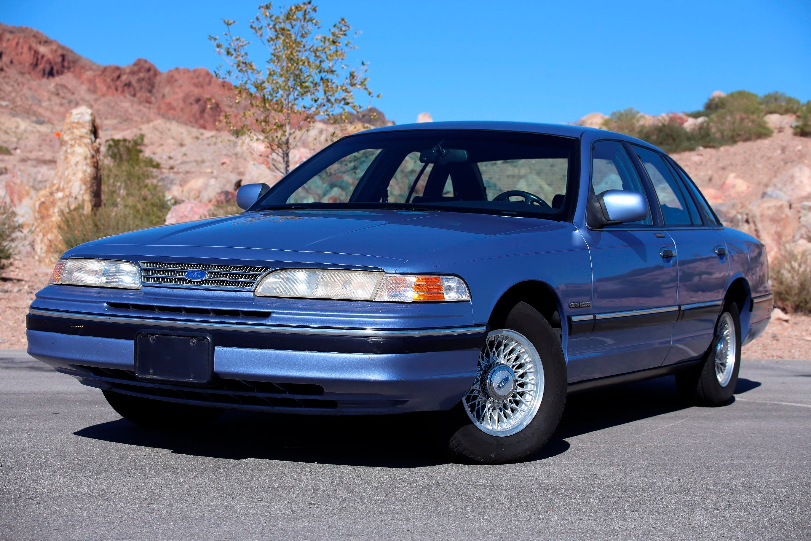 1994 Ford Crown Victoria #23
