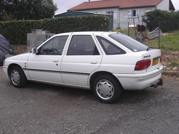 1994 Ford Orion #22