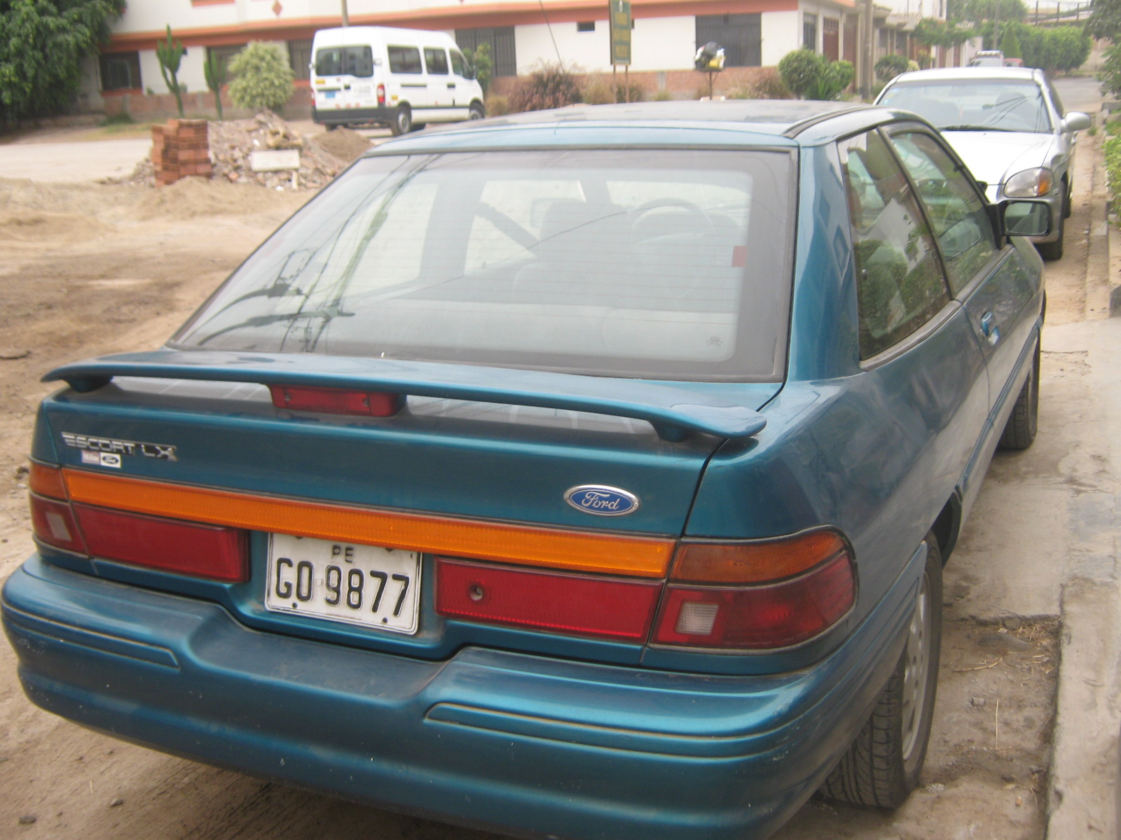 1994 Ford Orion #21