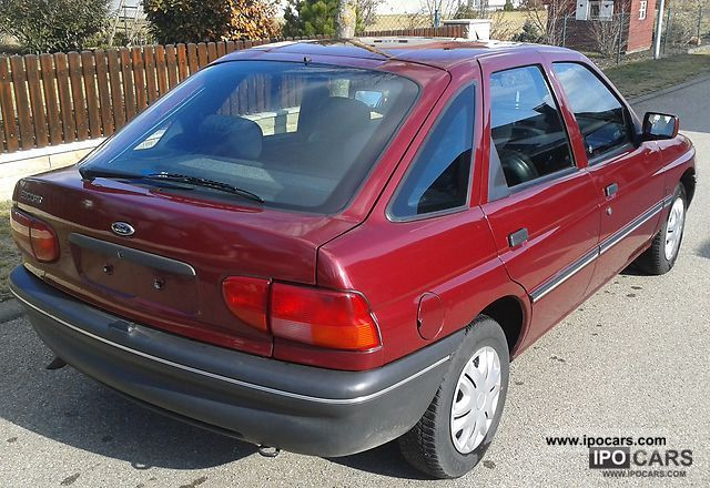 1994 Ford Orion #15