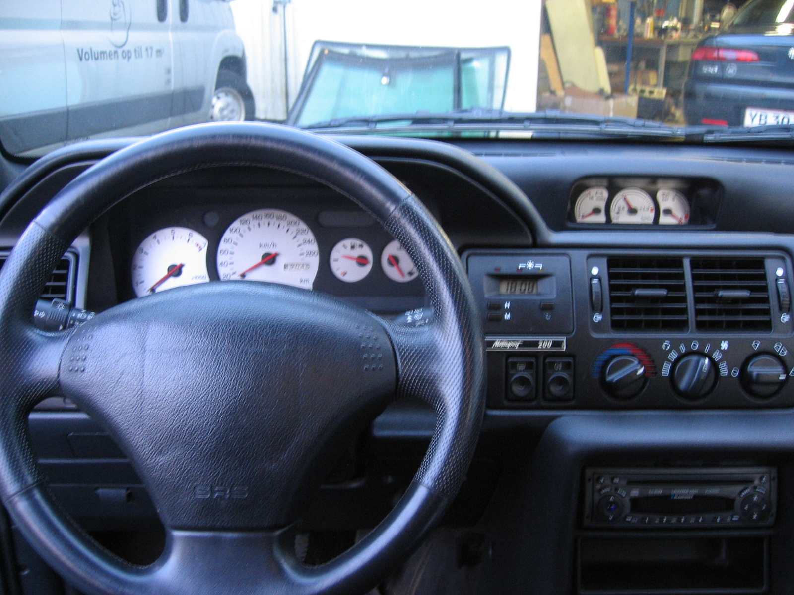 1994 Ford Orion #24