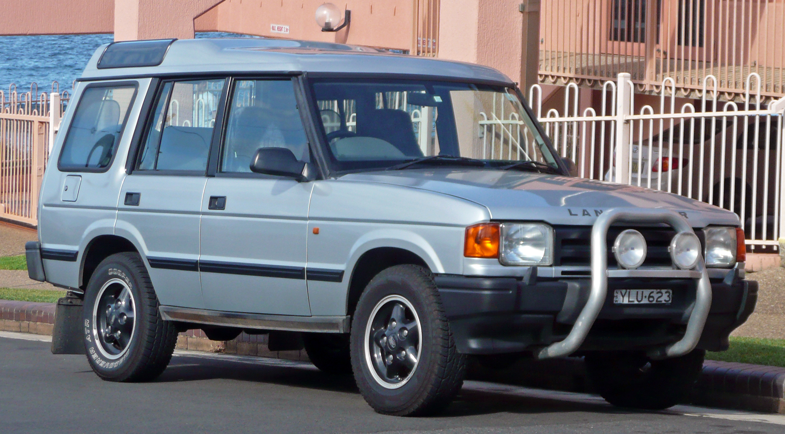 1994 Land Rover Discovery #23