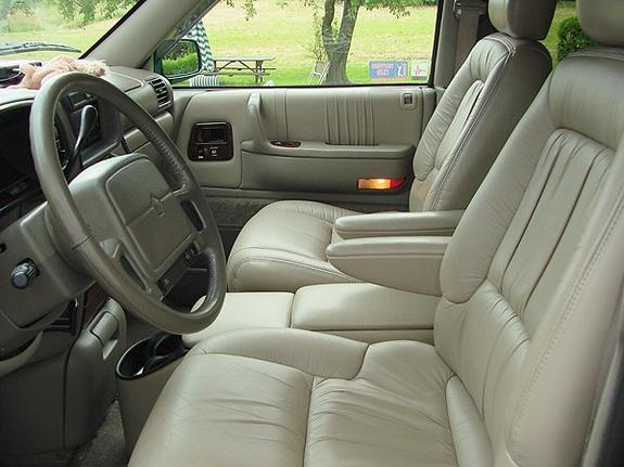 1995 Chrysler Town And Country #14