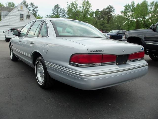1995 Ford Crown Victoria 21 Bestcarmag Com