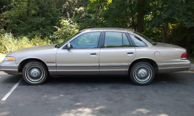1995 Ford Crown Victoria #18