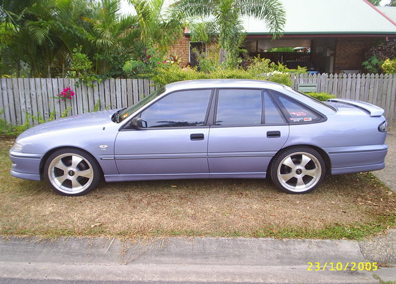 1995 Holden Commodore #16