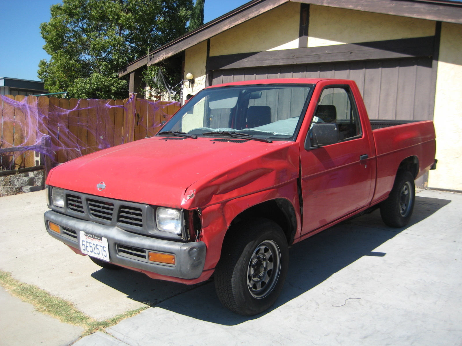 Nissan Truck Images