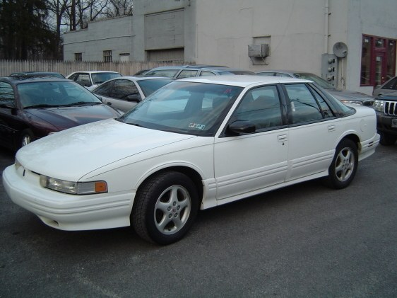 1995 Oldsmobile Cutlass Supreme #24