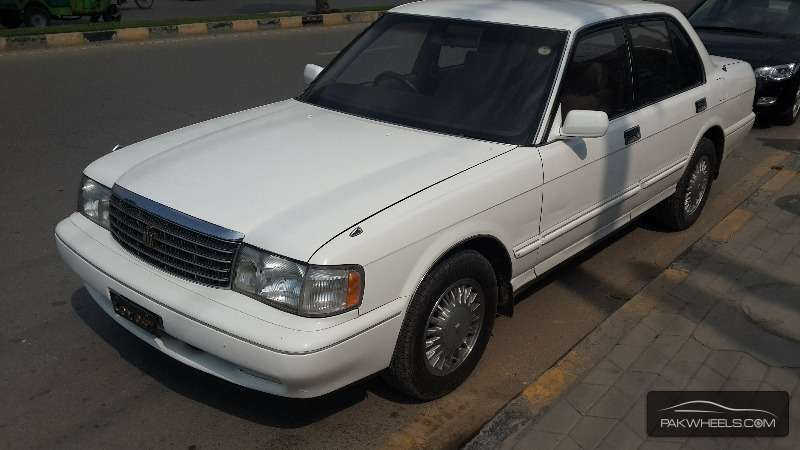 1995 Toyota Crown #16