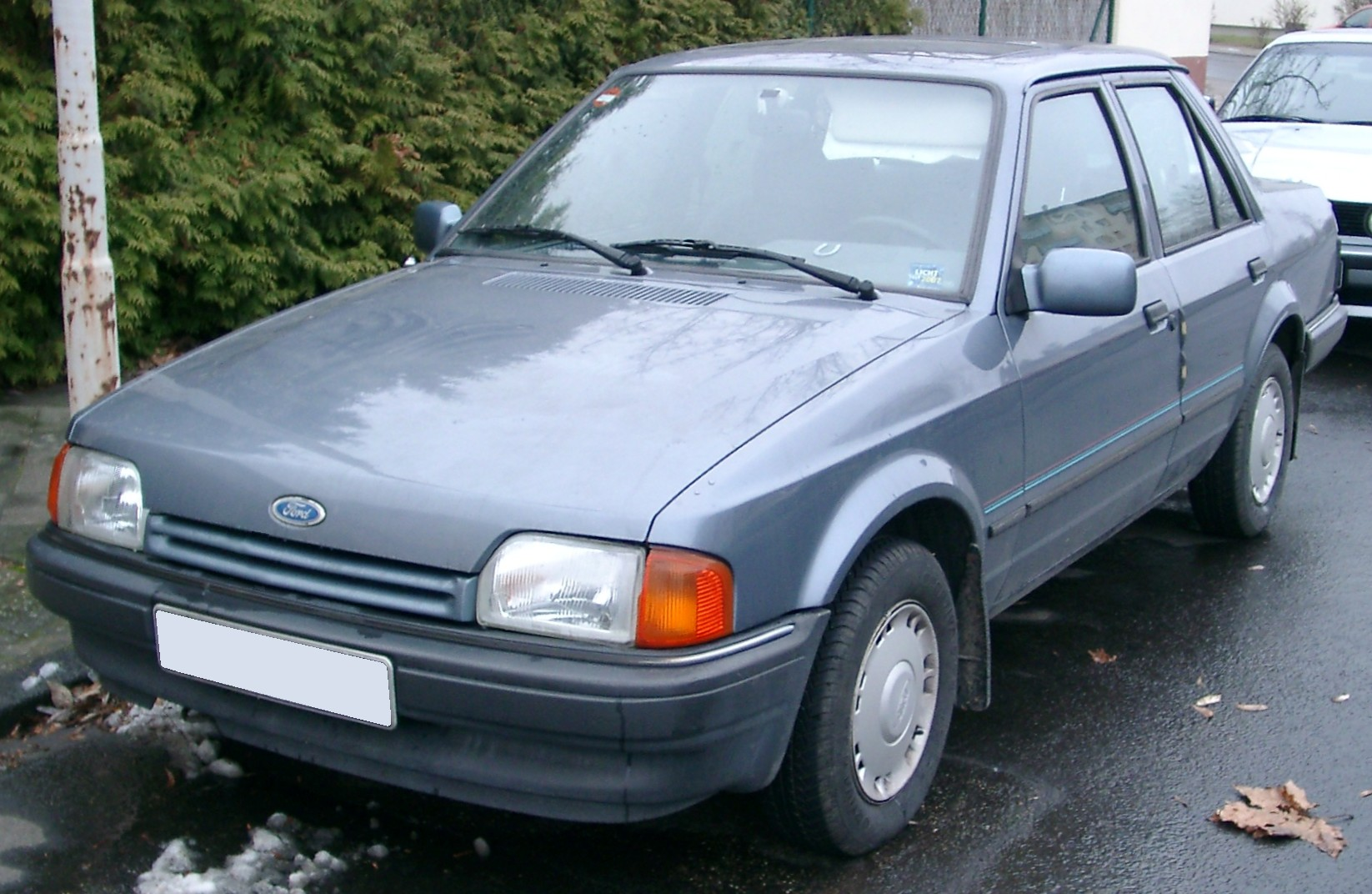 1991 Ford Orion #4