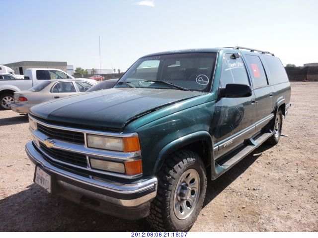 1996 Chevrolet Suburban Photos  Informations  Articles