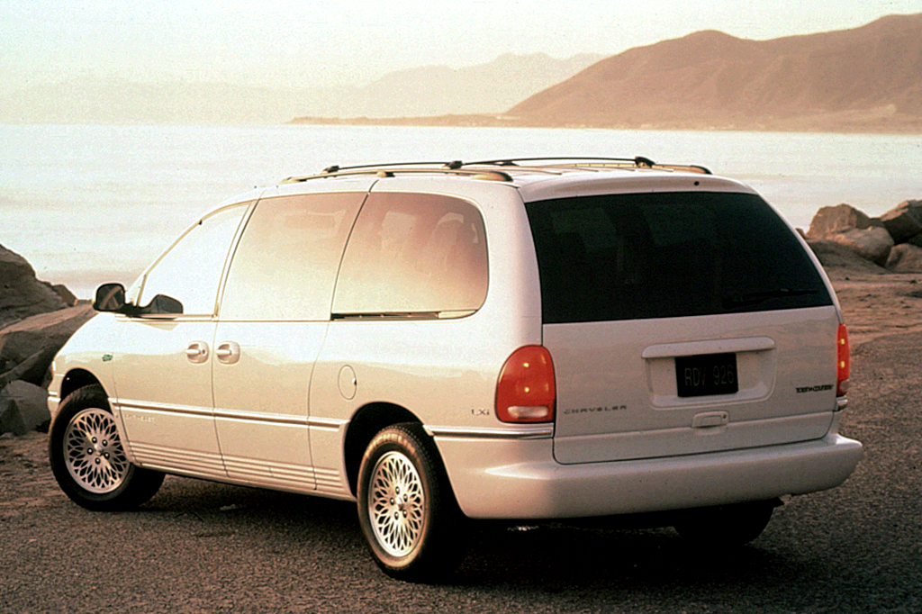 1996 Chrysler Town And Country #20
