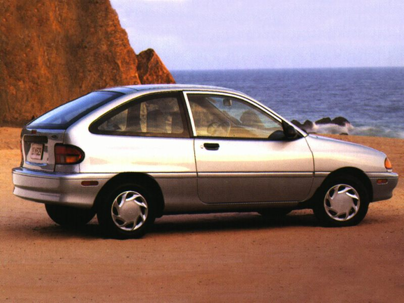 1996 Ford Aspire #16