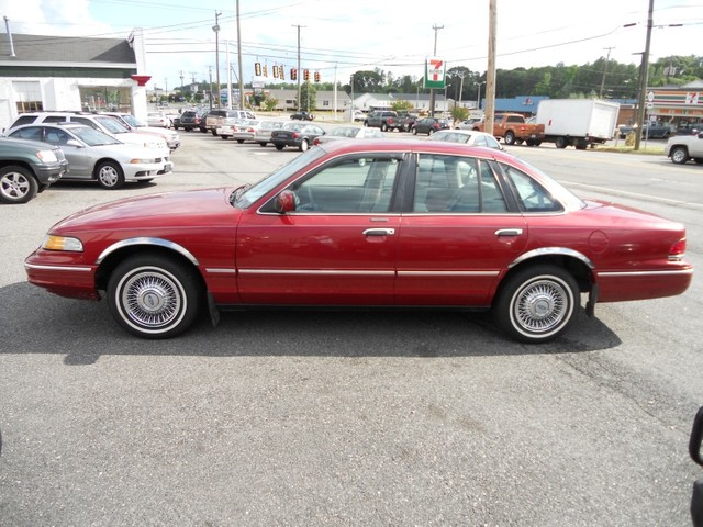 1996 Ford Crown Victoria #20