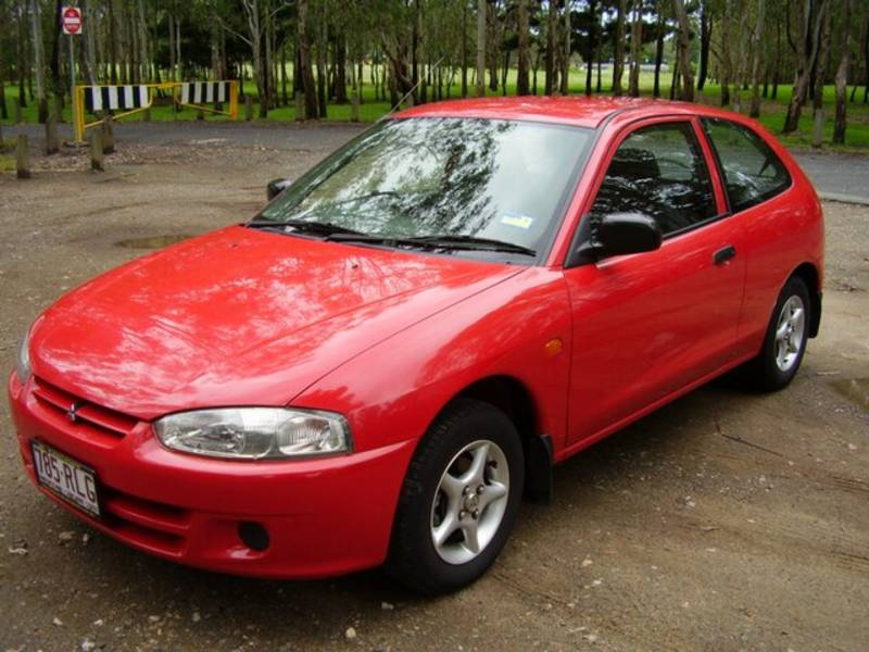 1996 Mitsubishi Mirage Photos, Informations, Articles