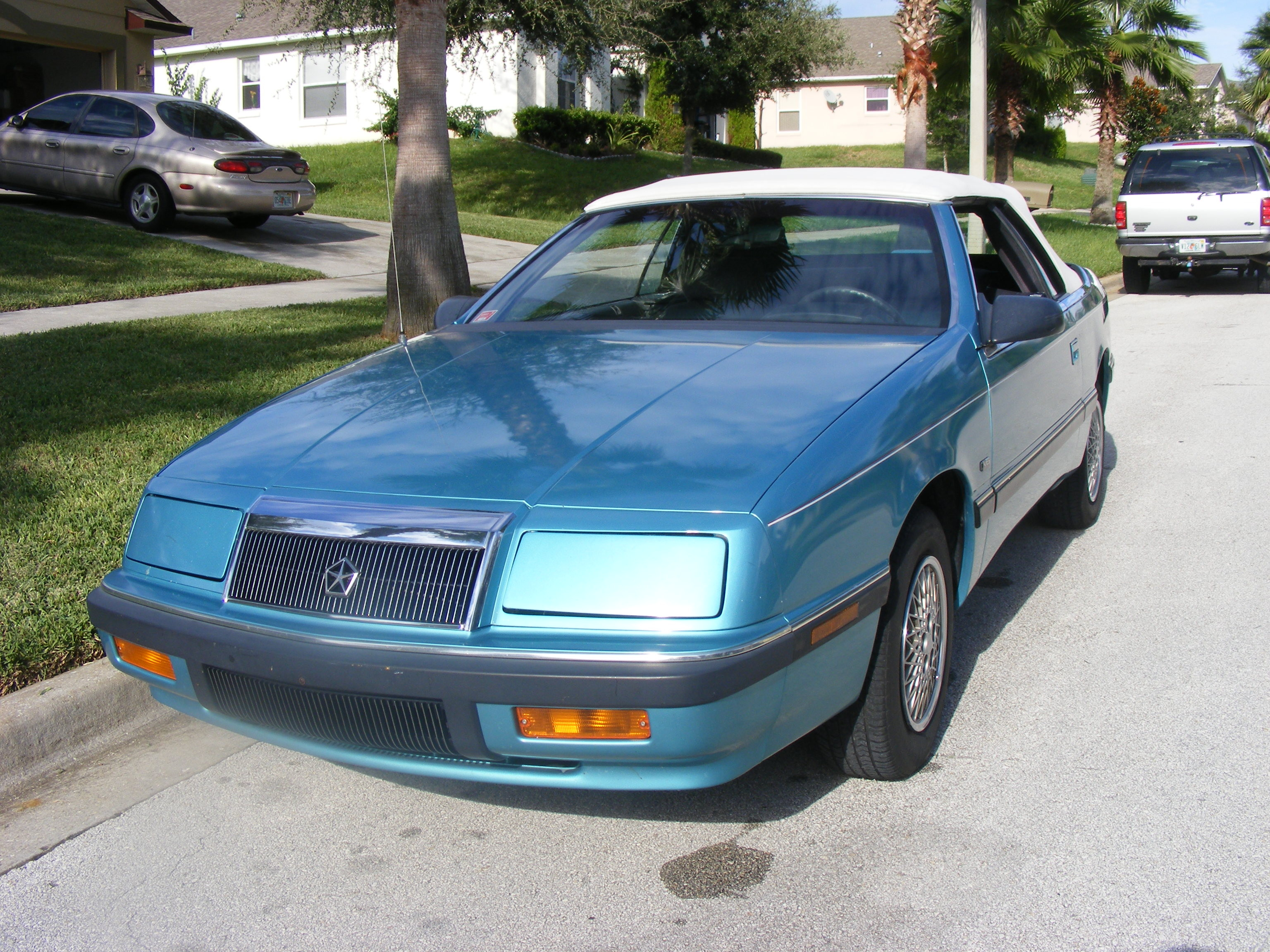 1992 Chrysler Le Baron #14
