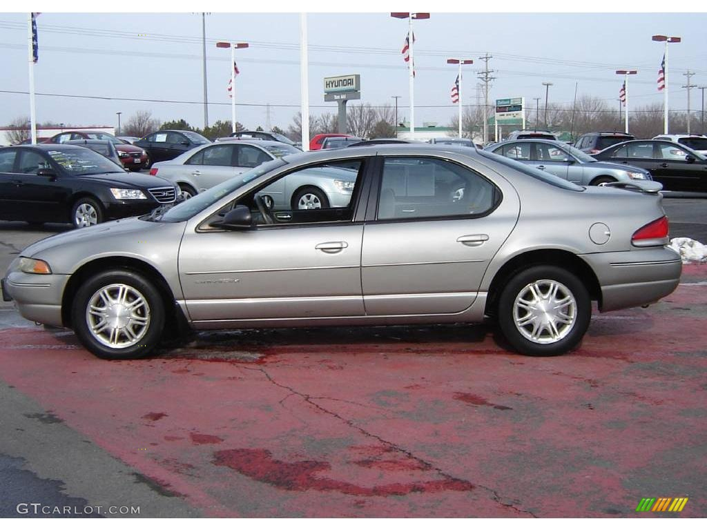 1997 Chrysler Cirrus #19