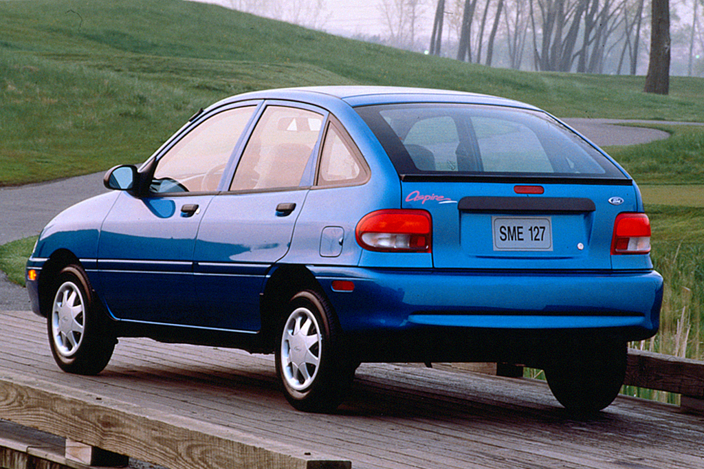 1997 Ford Aspire #14