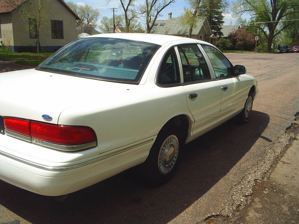 1997 Ford Crown Victoria #21
