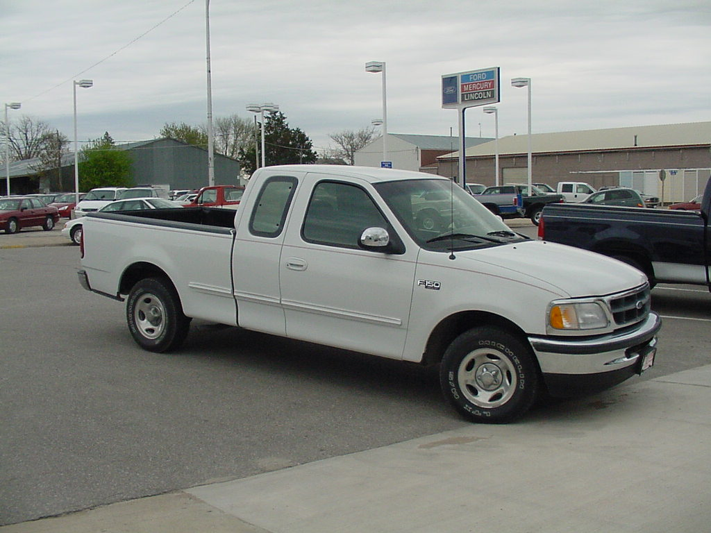 1997 ford f 150 photos informations articles. Black Bedroom Furniture Sets. Home Design Ideas