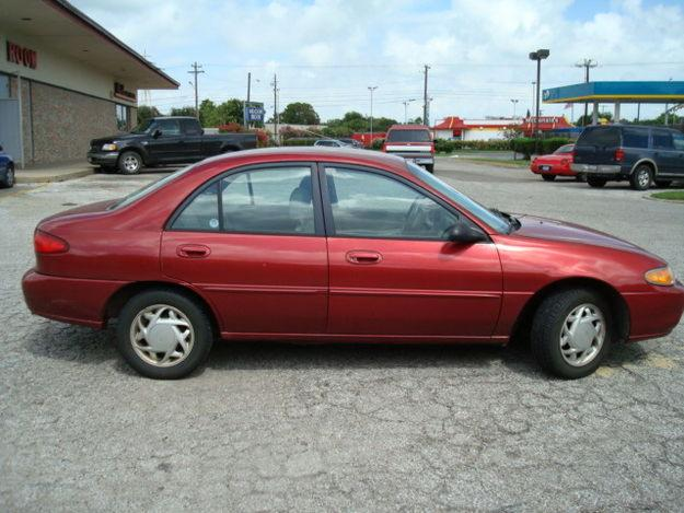 1997 Ford Tracer #16