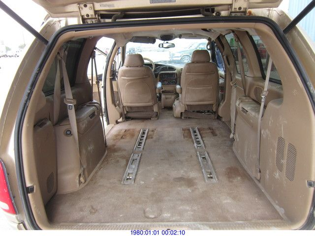 1998 Chrysler Town And Country #19