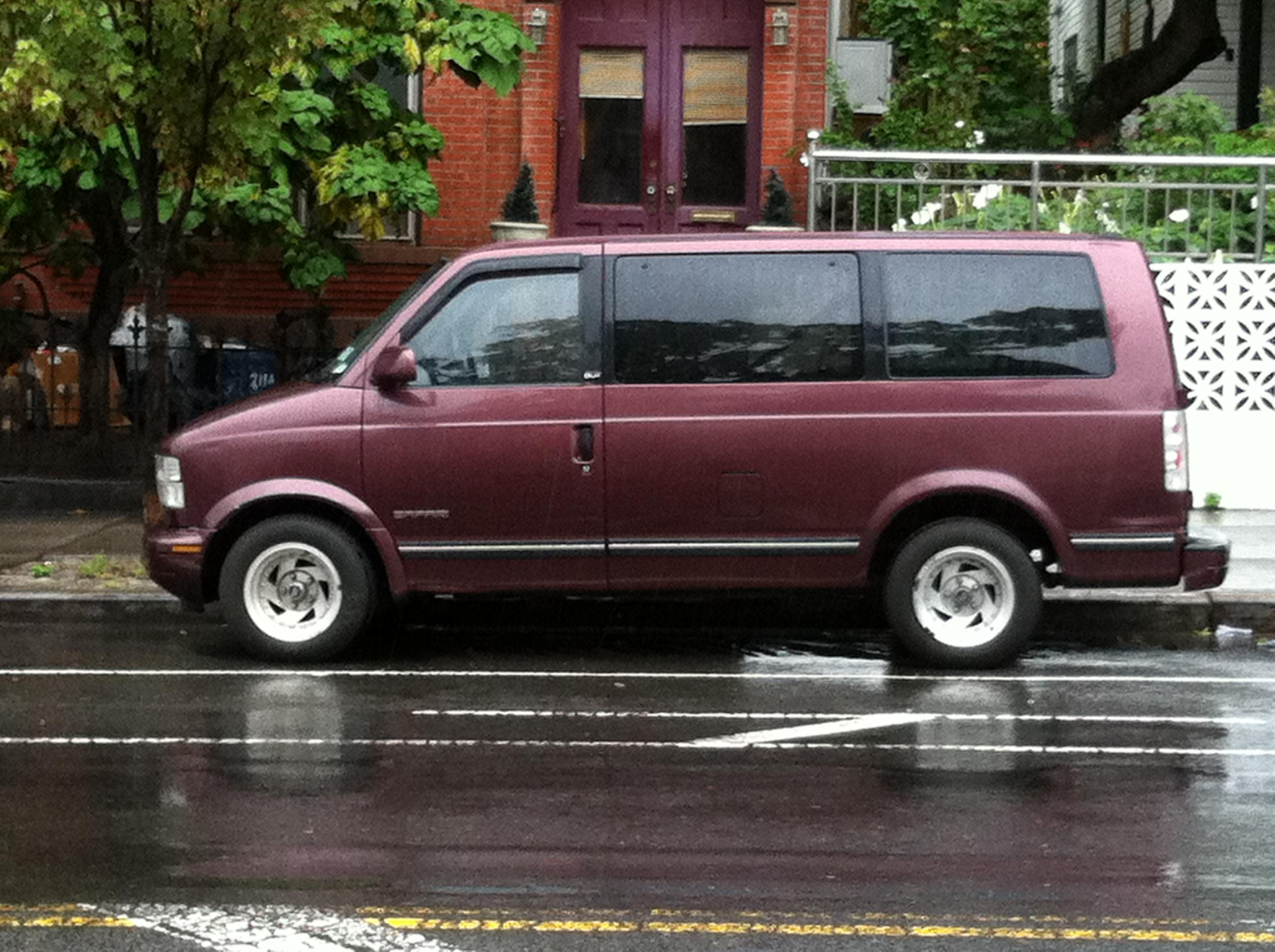 1998 GMC Safari #16