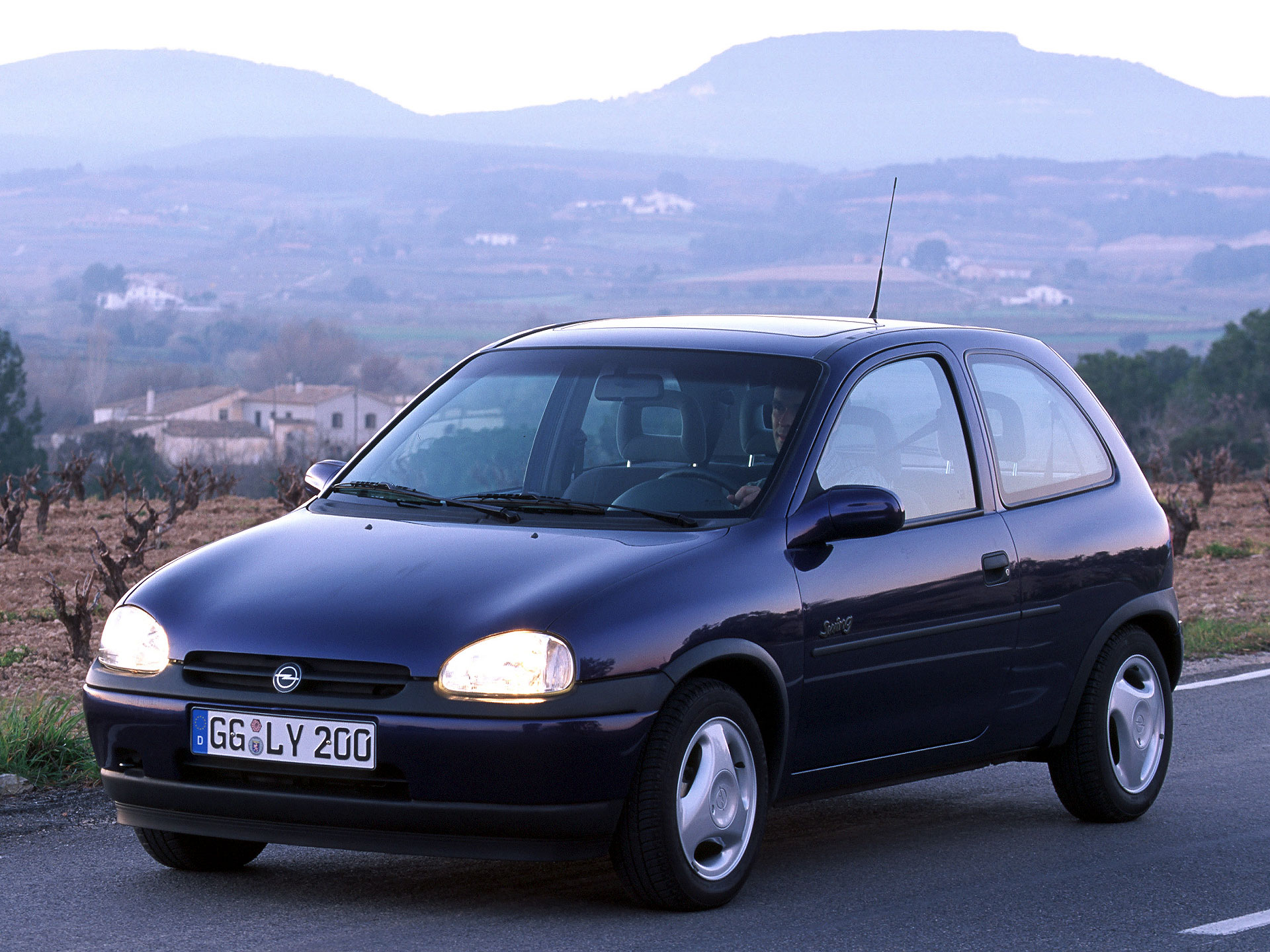 1998 opel corsa photos informations articles. Black Bedroom Furniture Sets. Home Design Ideas