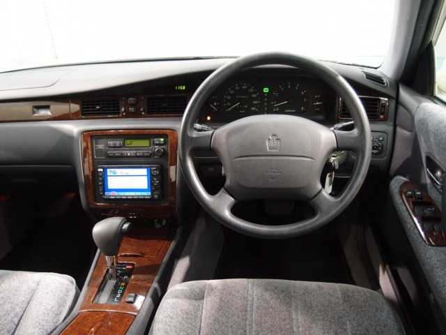 1998 Toyota Crown #11