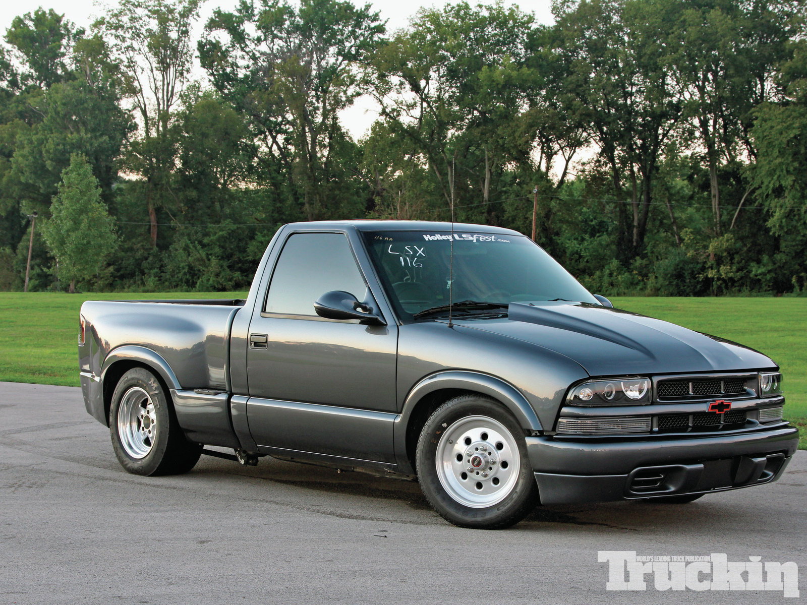 1999 chevrolet s 10 photos informations articles. Black Bedroom Furniture Sets. Home Design Ideas
