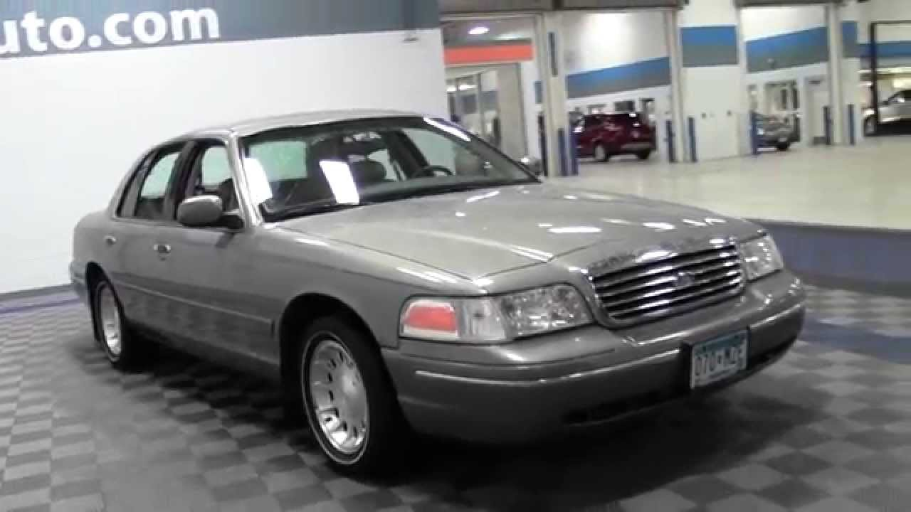 1999 Ford Crown Victoria #17