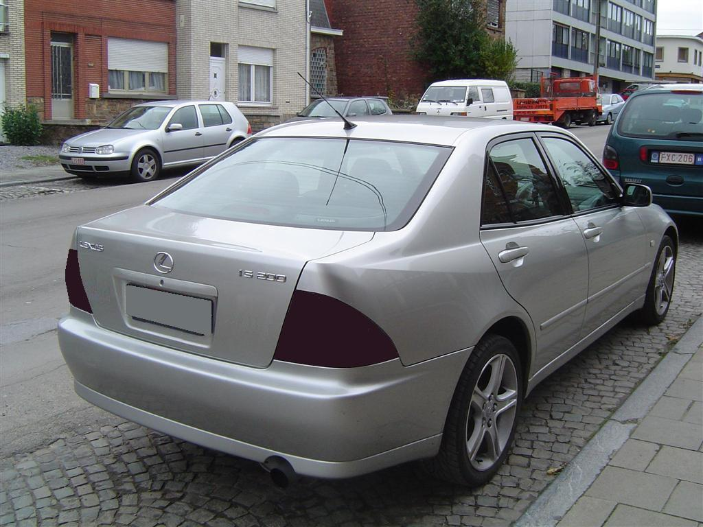 1999 Lexus IS #16
