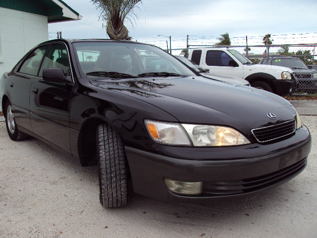 1999 Lexus IS #21