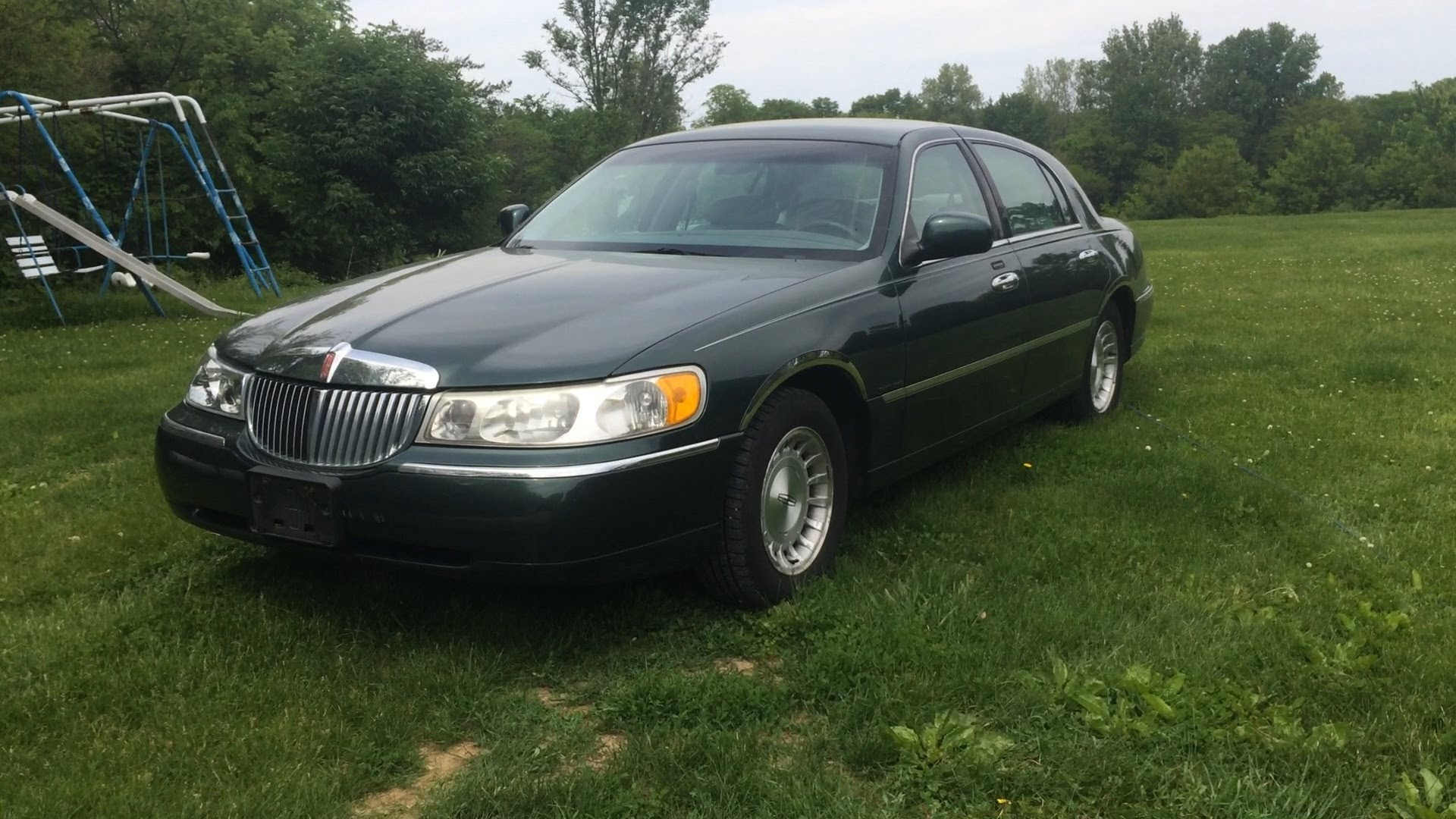 1999 Lincoln Town Car Photos Informations Articles Bestcarmag Com