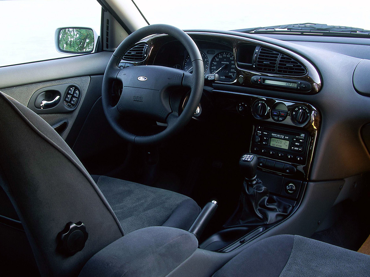 2000 Ford Mondeo #17