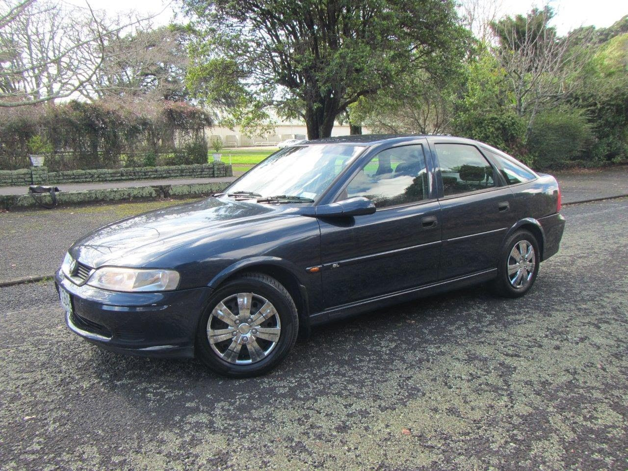 2000 Holden Vectra #18