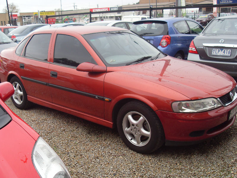 2000 Holden Vectra #12