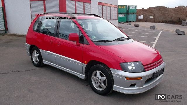 2000 Mitsubishi Space Runner #17