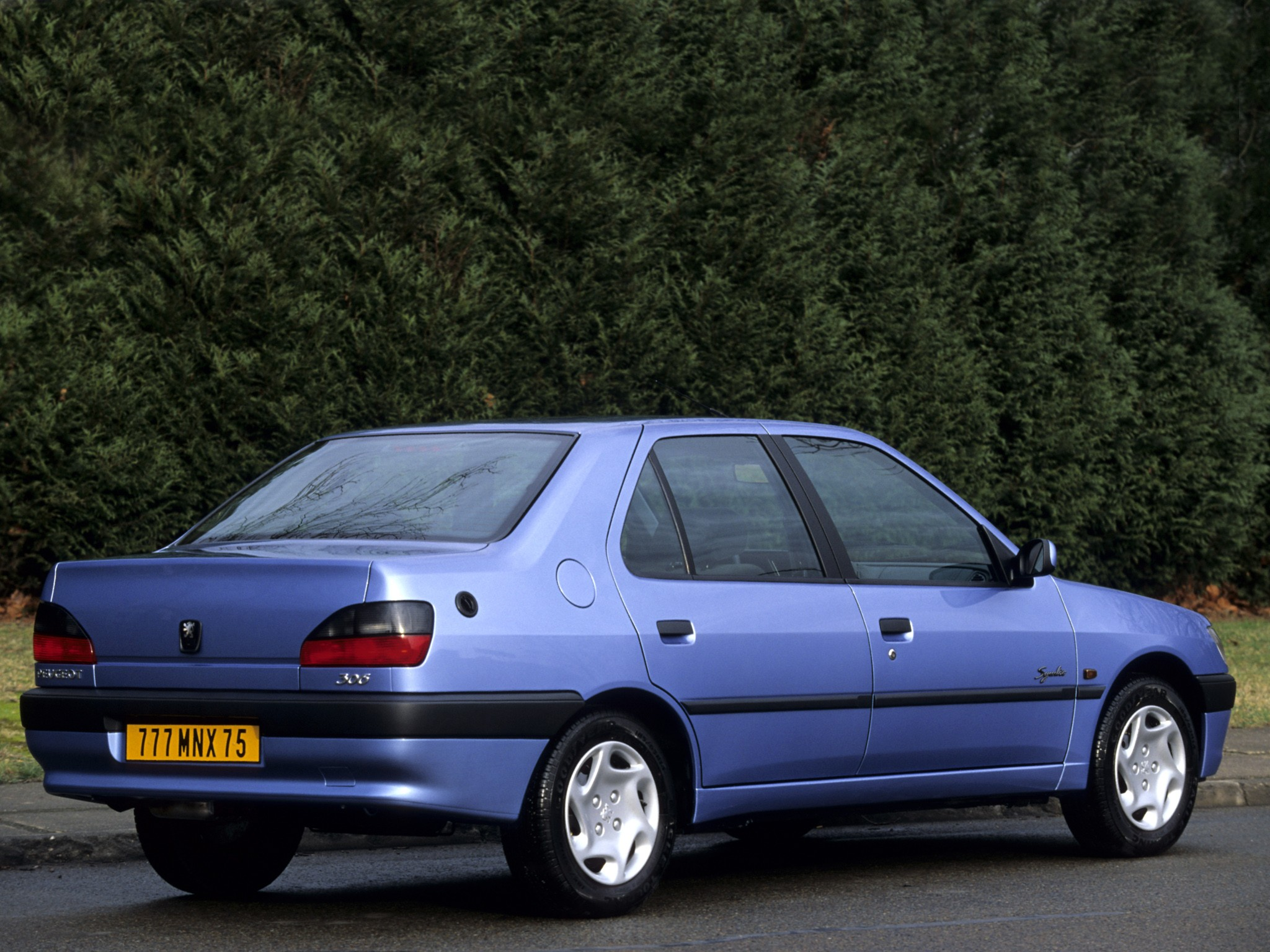 2000 Peugeot 306 Photos, Informations, Articles