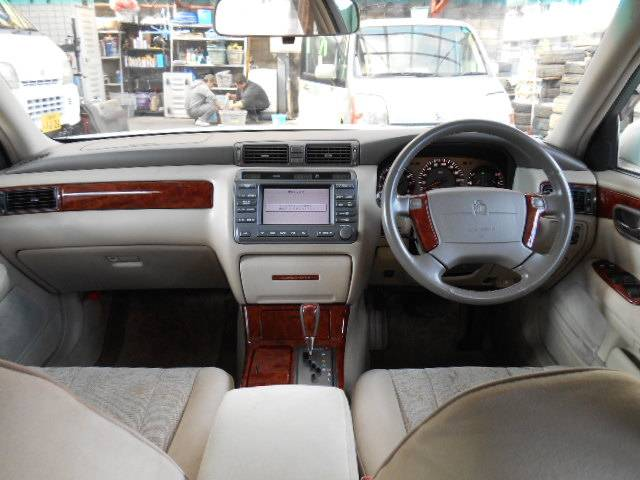 2000 Toyota Crown #15
