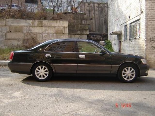 2000 Toyota Crown #17