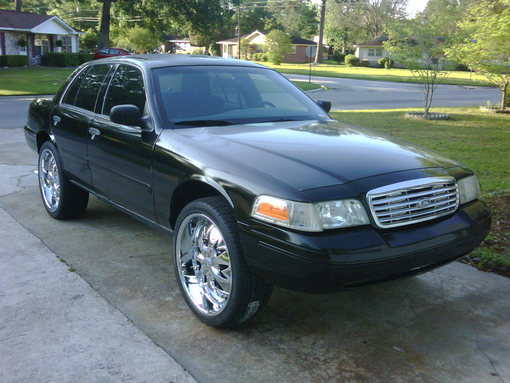 2001 Ford Crown Victoria #25