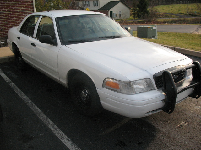2001 Ford Crown Victoria #24