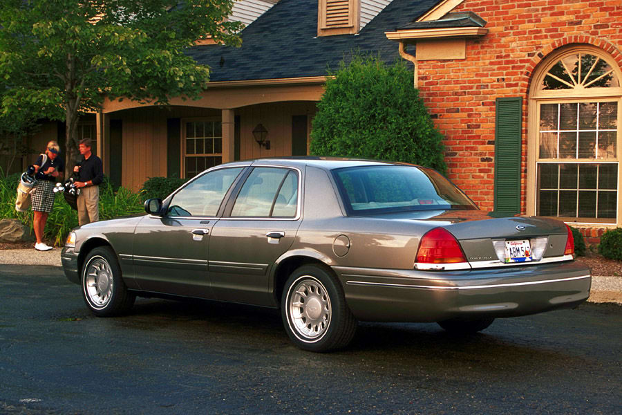 2001 Ford Crown Victoria #19