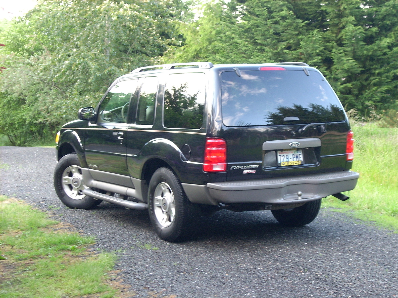 2001 Ford Explorer Sport Photos  Informations  Articles